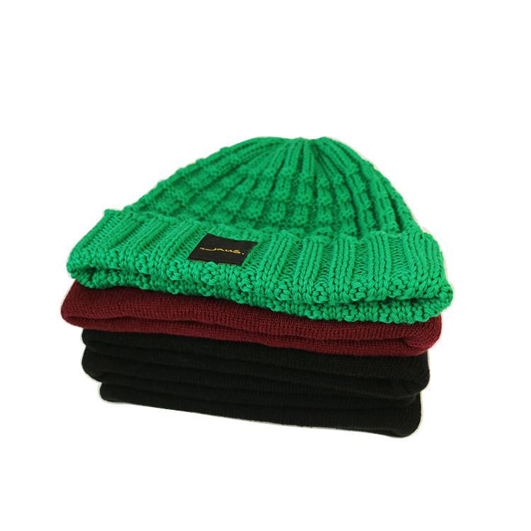 Hot sale cheap beanie cap design your own custom 100% Acrylic sport beanie cap wholesale knitted urban men winter hats