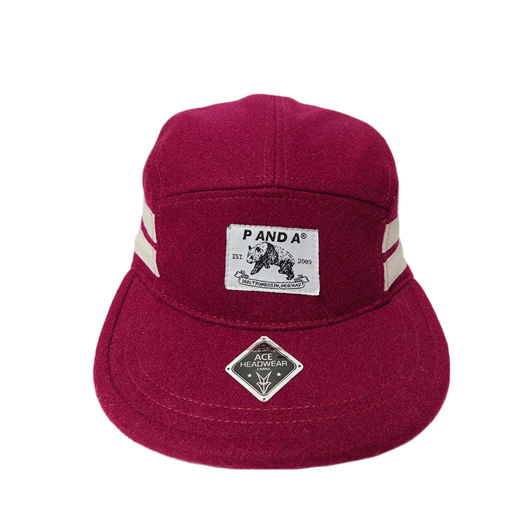 Factory Price Custom Unisex Rose red woven label Logo Flat Brim Visor Snapback 5 panel Camp Hats Caps