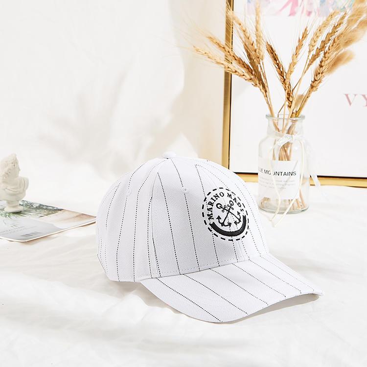 Hot Sales Adujustable Unisex Six Panels Cotton Fabric Black Metal Embroidery Curve Brim Baseball Cap