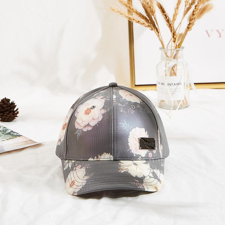 High quality curved brim 6 panel flower printing baseball cap custom metal logo baseball cap