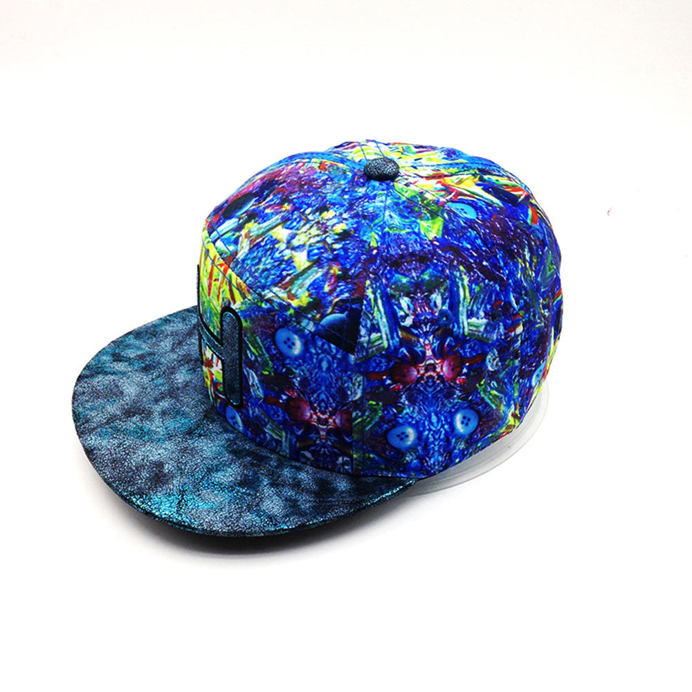 art pattern snapback hat with 'H' logo for man