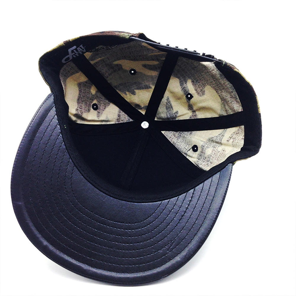 camouflage color snapback hat for man